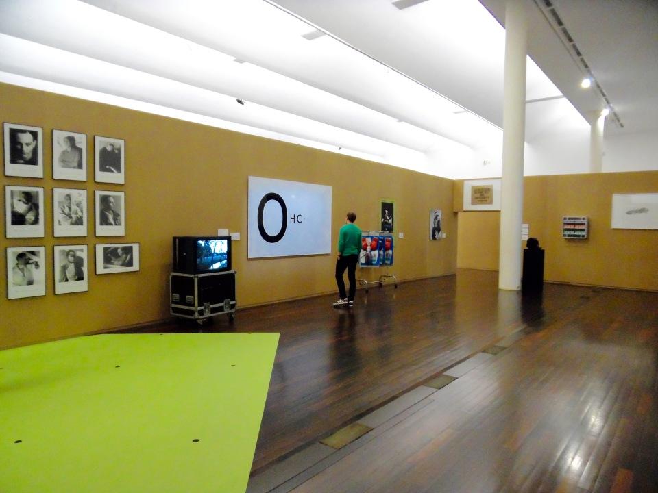 Vue de l'exposition, chercher le garçon, Mac/Val, art contemporain