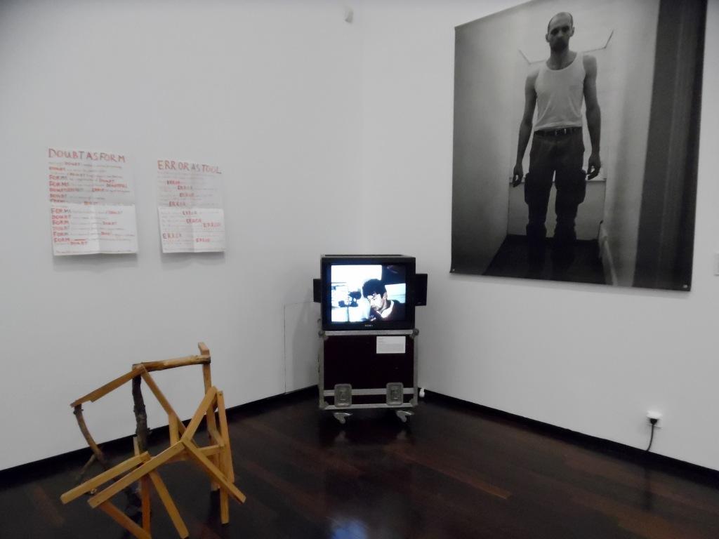 Alain Declercq, Anti-Héros, 1999 et Pierrick Sorin, Les réveils, 1988